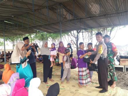 Bakti Sosial PPKDY ( Perserikatan Peternak Kambing & Domba Yogyakarta ) di Pantai Barchan, Grogol IX