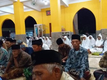 Safari Ramadhan Pemerintah Desa Parangtritis di Masjid Al-Mukhlisien Samiran